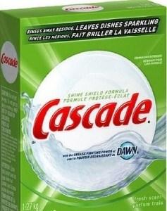 Chén đĩa sáng bóng chỉ với một bước tẩy rửa với cascade